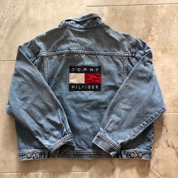 453818d4c137 Vintage Tommy Hilfiger Embroidered Jean Jacket. M 5b8ebf184cdc30021f471909